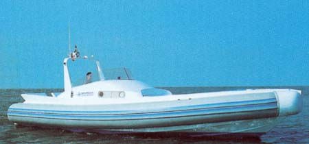 SUPERBLY 33 OPEN - click to have more informations about this boat.